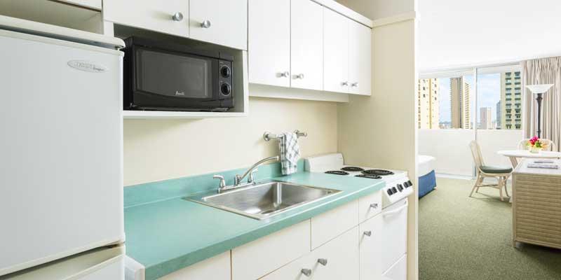 주방 시설 - 전자 레인지, 냉장고, 오븐 기능 스토브